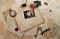 Конверты, письма, открытки, почтовые марки на обложках книг